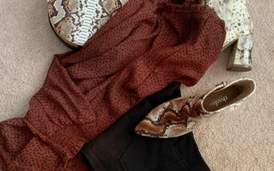 Snake skin prints are so in right now!