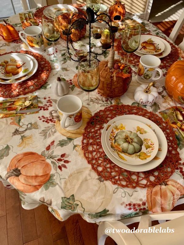 Pumpkin Spice Pumpkin Table