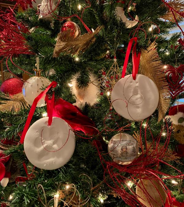 DIY Paw Print Christmas Ornament